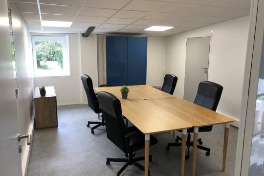 Plateforme / cloisons pour bureaux