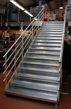 escalier metal erp